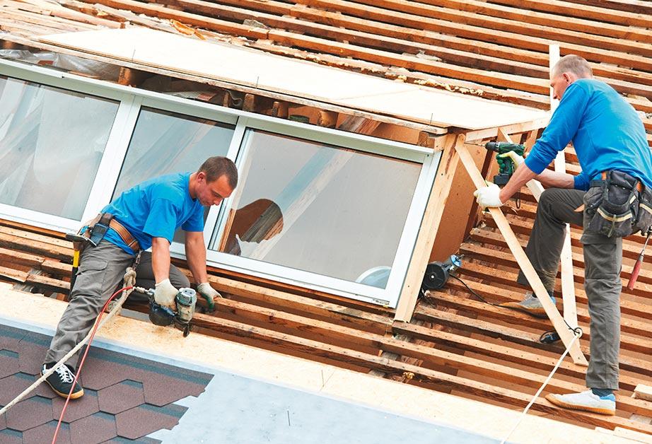 dachfenster fensteraustausch reparatur velux roto flachdachfenster. Black Bedroom Furniture Sets. Home Design Ideas